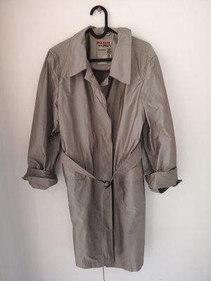 silberner Prada Trenchcoat