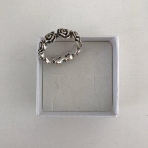 Silberner Ring mit Rosen