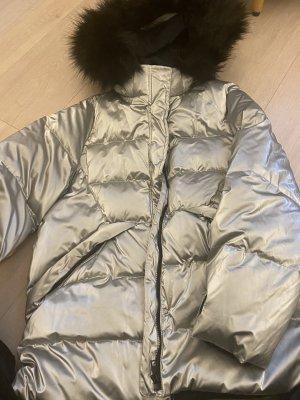 Silberner Wintermantel von Zara