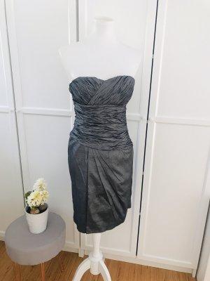 Silbernes Abendkleid von Vera Mont