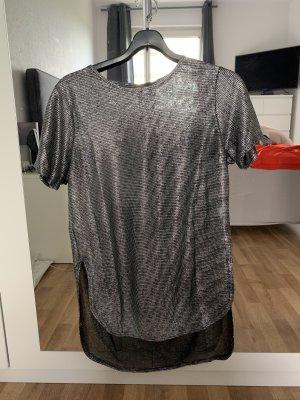 Silbernes Shirt, lang in Größe S - Hingucker!