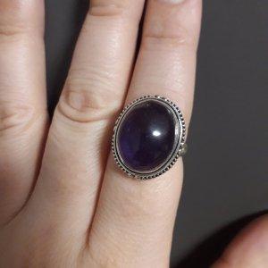 Bague en argent argenté-violet foncé