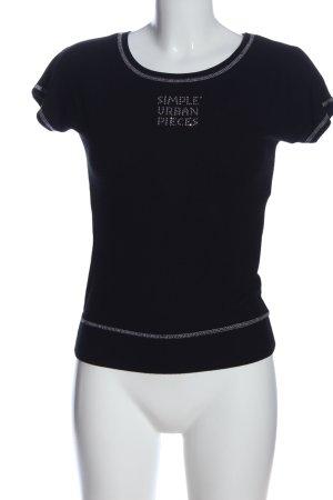Simple T-Shirt black printed lettering casual look