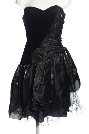 Sina C. Bustierkleid schwarz extravaganter Stil