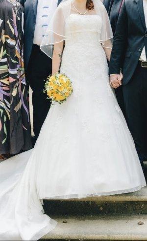 Sincerity Brautkleid Gr. M mit Schleier und Reifrock elfenbein Hochzeit