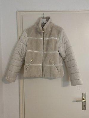 Sisley Jacke aus Kunst Fell