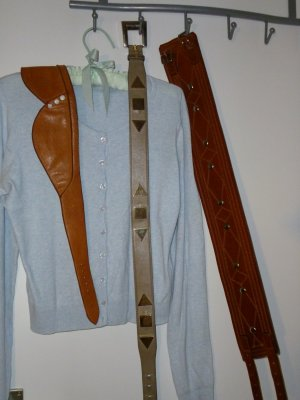 Sisley Jacke+ Pulli Twin Set 100% Baumwolle//extra drei DESIGNER ECHtledergürtel (Fotos/Preise unter meinen weiteren Angeboten)