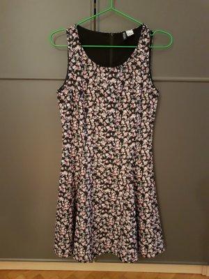 Skater Kleid mit Blumen H&M