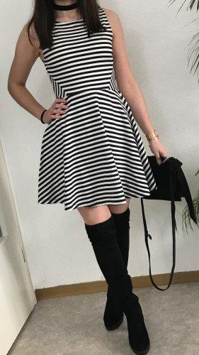 Skaterkleid schwarz weiß gestreift