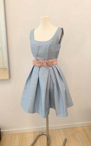 Chi Chi London Sukienka midi khaki-jasnoniebieski