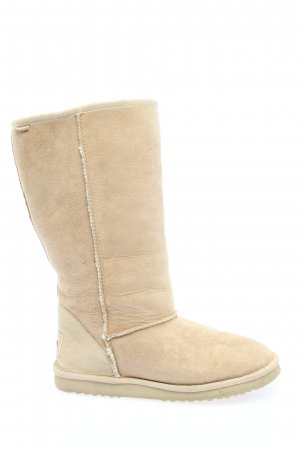 Skechers Fur Boots cream casual look