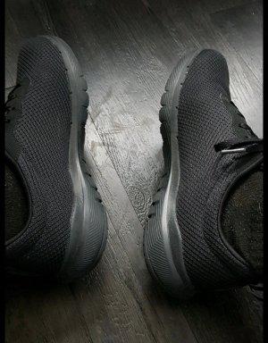 Skechers Chaussures à lacets noir