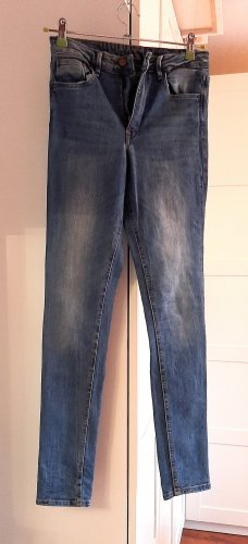Skinny High-Waist Jeans von H&M, blau, Gr. 28/32