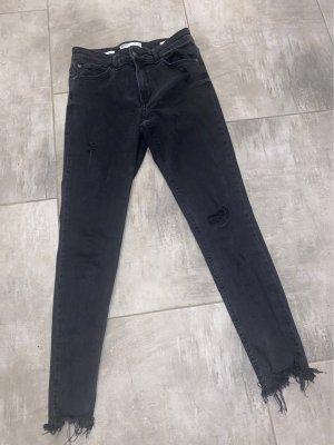 Bershka Jeansy o obcisłym kroju czarny