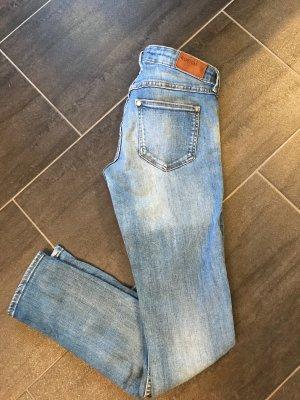 Skinny Jeans aus Stretch