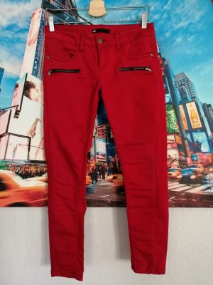WE Fashion Low-Rise Trousers red