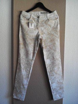 Skinny Jeans mit Blättermuster, Größe 40, neu