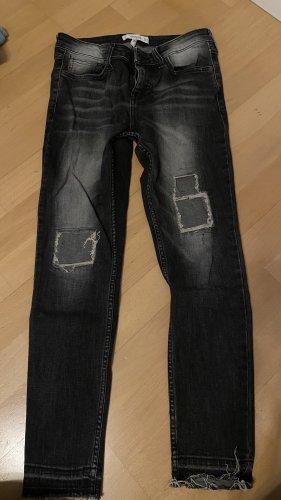 Skinny Jeans mit coolen Details