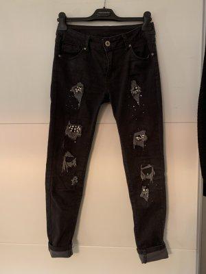Skinny Jeans mit Pailleten und Perlen (Gr. 38)