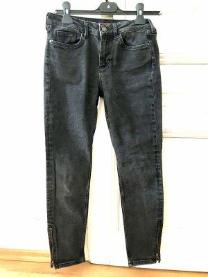 Skinny Jeans mit Reißverschluss unten