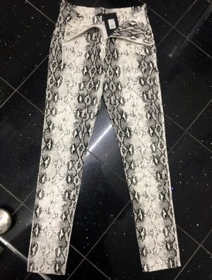 Skinny Jeans mit Schlangenmuster
