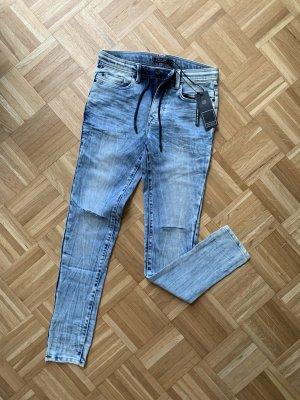 Skinny Jeans NEU mit Etikett