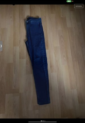 Skinny Jeans Review
