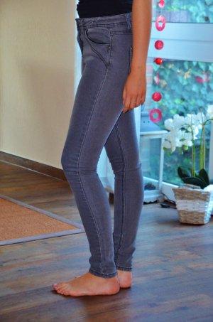 Skinny Röhre Jeans Grau