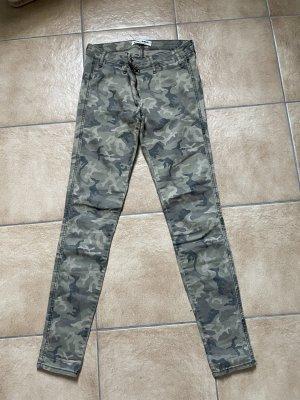 Skinnyjeans / Skinnyhose Tarnfarben / Camouflage von Tally Weijl - Gr. 38