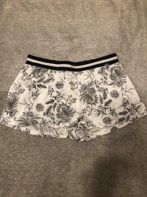 Skiny Shorts blanco-negro