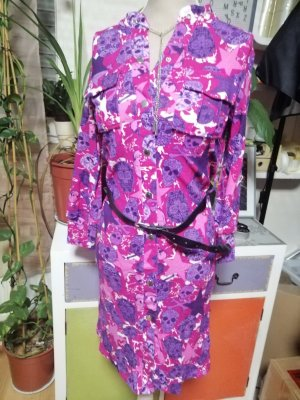 Voyelles Vestido a media pierna lila-violeta