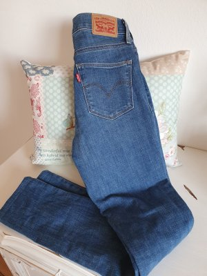 slimming skinny levis jeans 25