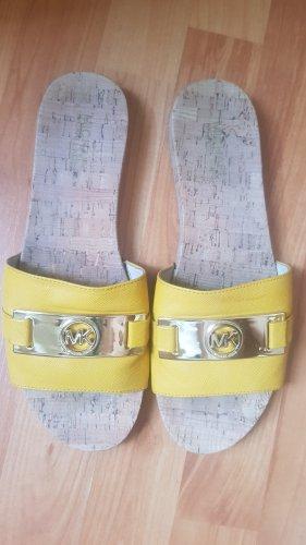 Michael Kors Pantofel złoto-żółty