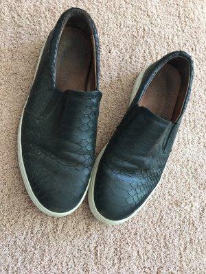 Apple of eden Slip-on Shoes black-white