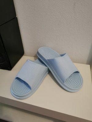 Pantofle jasnoniebieski-błękitny