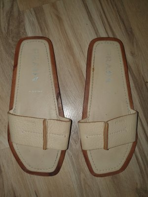 Prada Sandalias cómodas marrón-beige claro