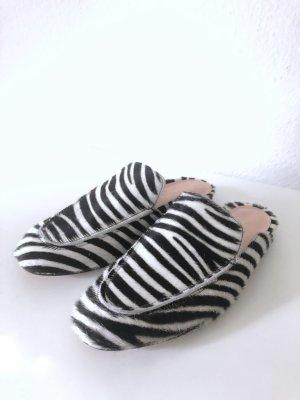 Slippers mit Zebraprint von MARCCAIN