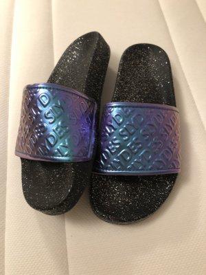 Pantoufles-chaussette noir-violet foncé
