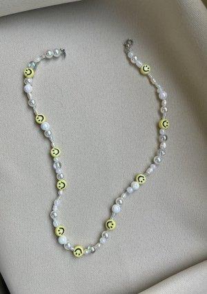 Smiley Kette mit iridescent Perlen