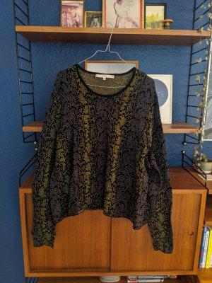 Snake effect knitted shirt