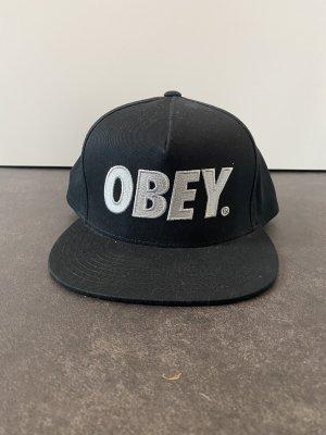 SnapBack von Obey