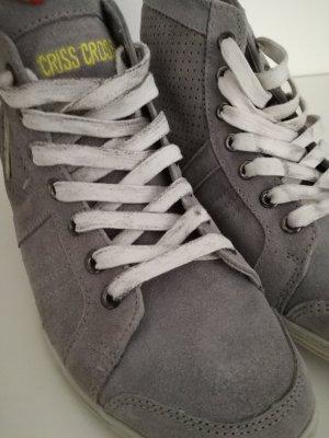 Zapatilla brogue gris claro