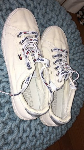 Tommy Hilfiger Lace-Up Sneaker white