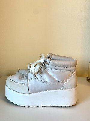 H&M Divided Sneakers met hak wit