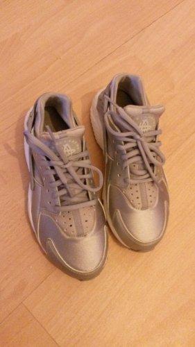 Sneaker Air Huarache by Nike