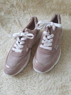 Sneaker beige bequem