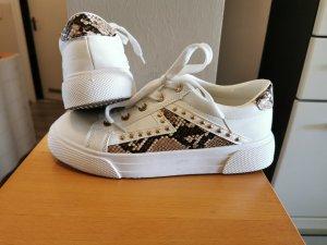 Sneaker Cremeweiß mit Schlangenprint und Nieten Gr.38 Neu