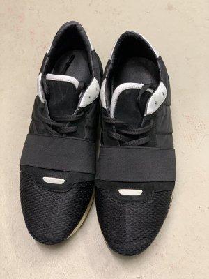 Sneaker Deabused