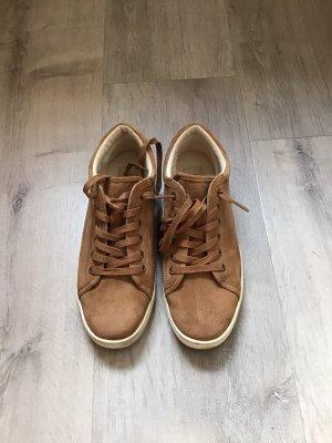 Sneaker der Marke UGG, Gr. 40