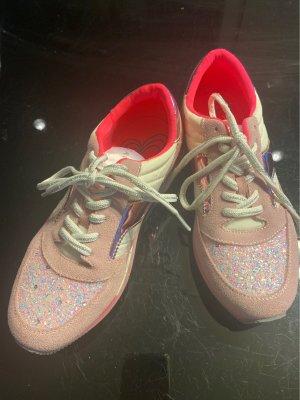 Café Noir Lace-Up Sneaker pink